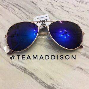 Mirrored Aviator Glasses NWT Deep Blue Rose Gold